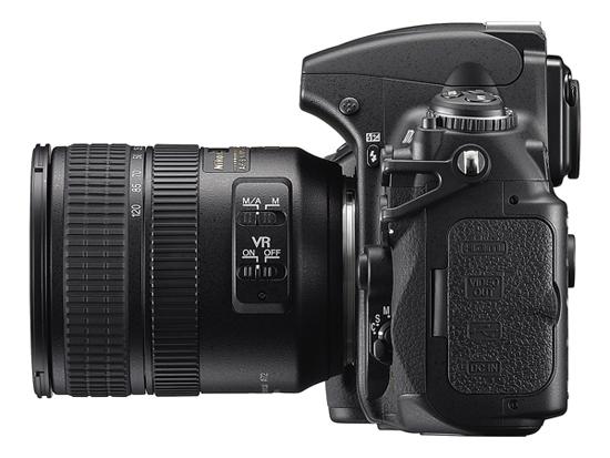 Nikon D700 Side